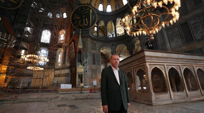 Cumhurbaşkanı Erdoğan Ayasofya Camisinde İncelemelerde Bulundu