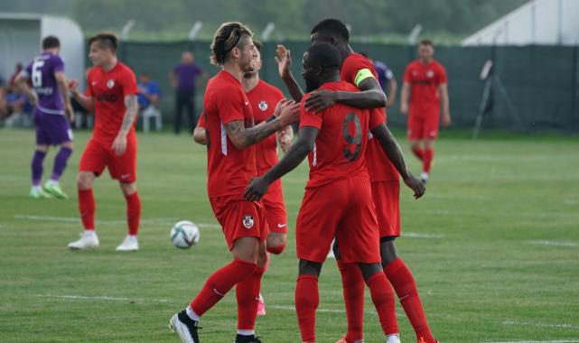 Gaziantep FK, Sumgayıt FK'yı 2-1'lik skorla mağlup etti